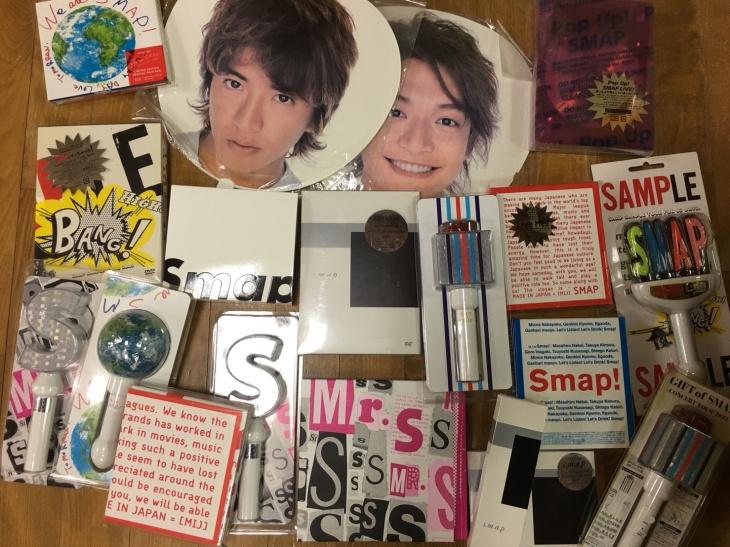 SMAPのCD、DVD、ペンライト、うちわなどのグッズ