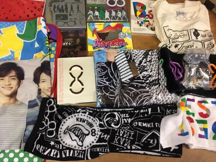 関ジャニ∞の8EST CD、関ジャニズムDVD、タオル、Tシャツ、ペンライト、などのグッズ