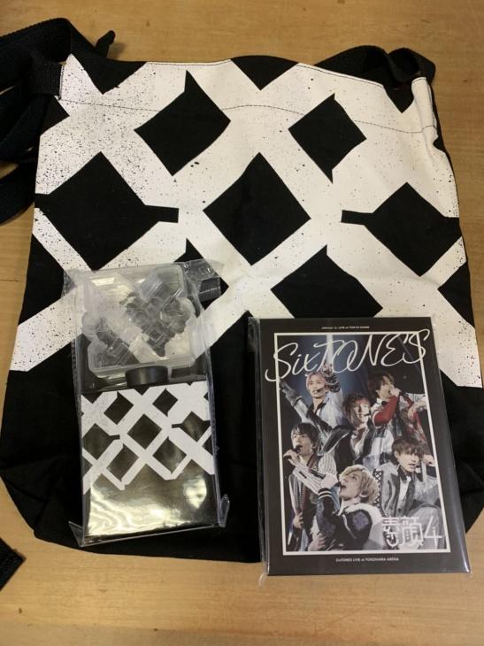 "SixTONESの素顔4 DVD、 Rough""xxxxxx""バッグ、ペンライト"